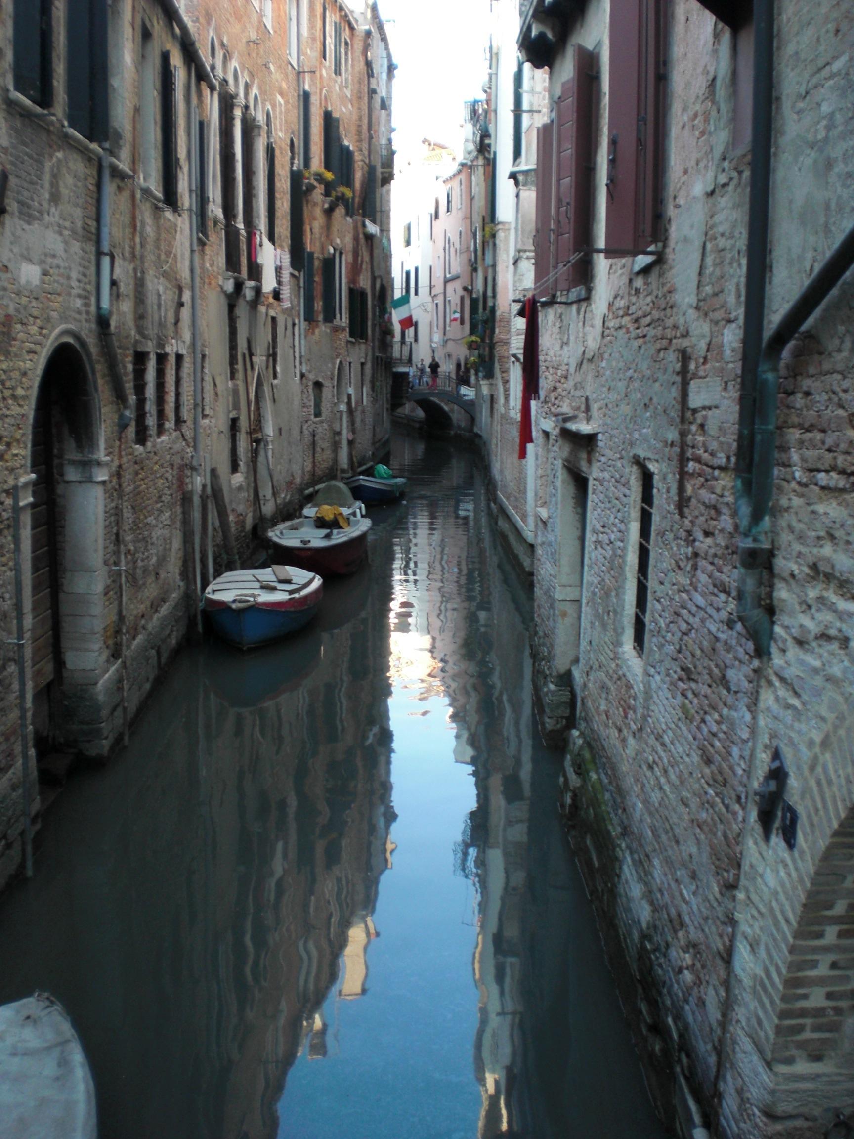 alleyways-of-water